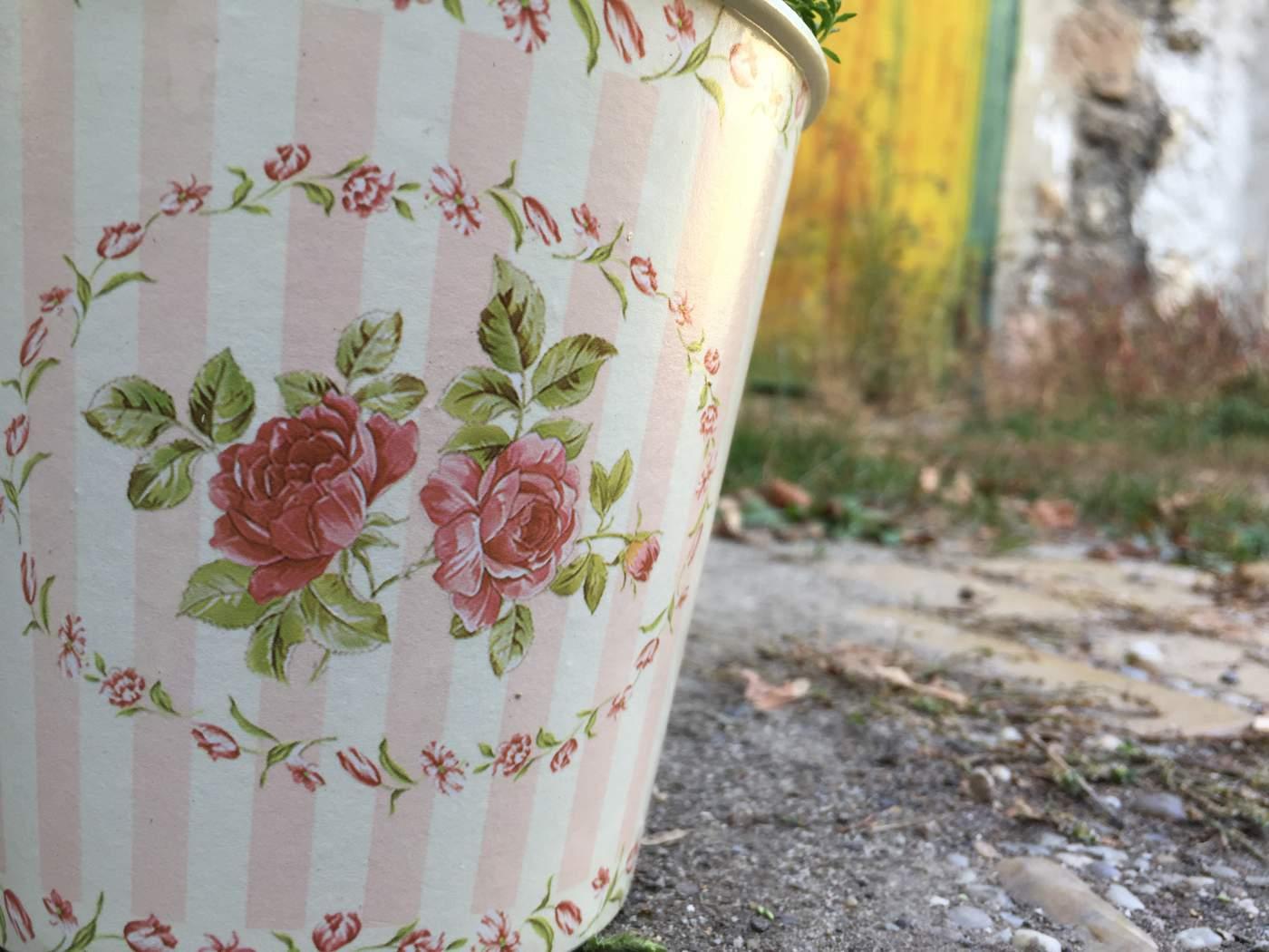 Műanyag Kaspó Rózsás Mintájú