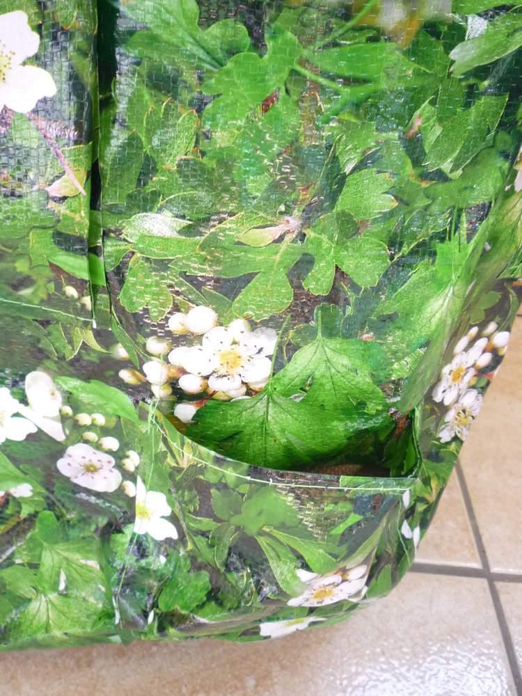 virágos ültetőzsák zsebe